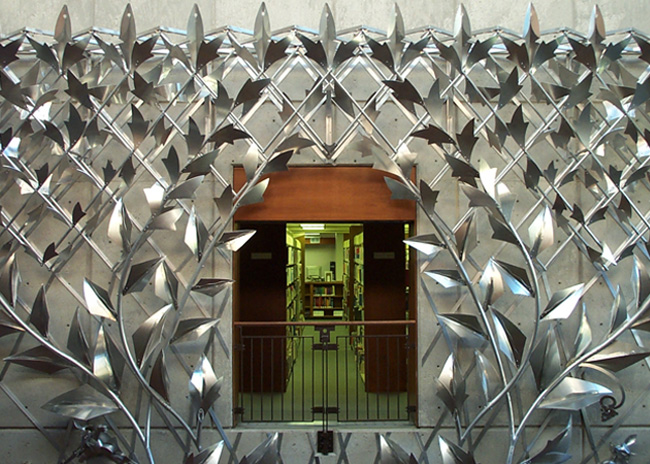 Manhattan Public Library, Aluminum Trellis