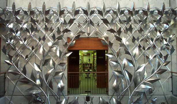 Manhattan Public Library, Aluminum Trellis